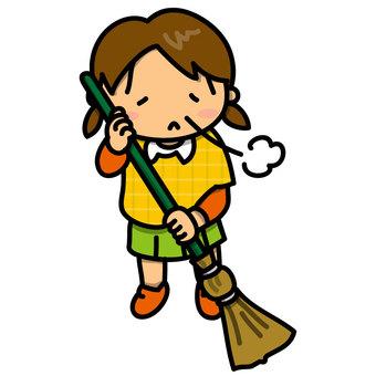一个女孩用扫帚清理(没有动机)