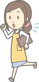 Housewife f - Running sweat - whole body