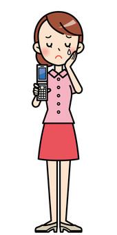 휴대 전화를 가진 귀여운 OL