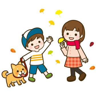 낙엽 떠드는 아이들과 개