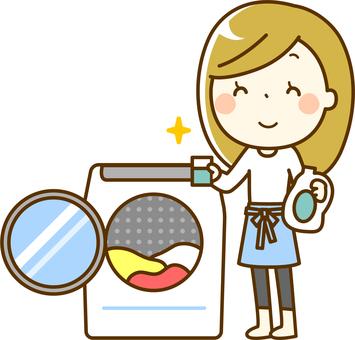 세탁을하는 여성