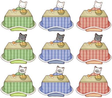 こたつと猫:白黒シャム:うたた寝