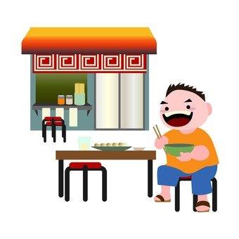顧客吃麵條
