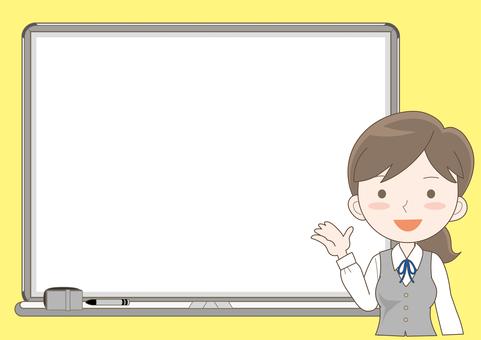 女A在白板上解釋