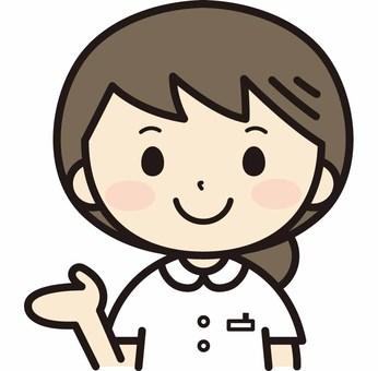 안내하는 여성 간호사