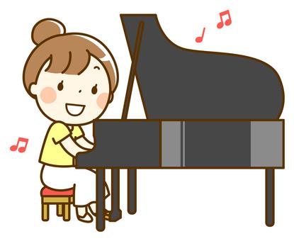 彈鋼琴的女人