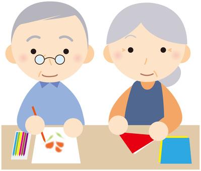 Elderly people who recreate