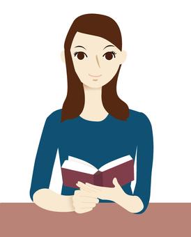 女性閱讀書