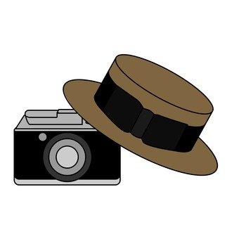 모자와 카메라