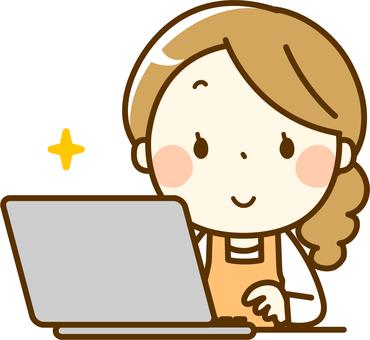 主婦操作個人電腦