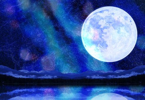 月と天の川と湖面に映るキラキラ夏の星空