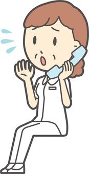 중년 여성 간호사 백의 -309- 전신