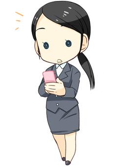 一個女人誰操作智能手機4