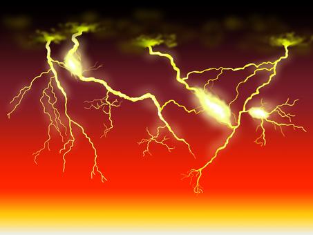 夕暮れ時の雷鳴