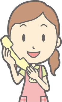苗圃女 - 電話 - 胸圍