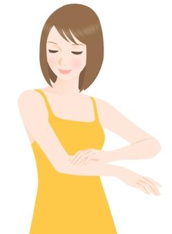 Arm skin care (underwear yellow)