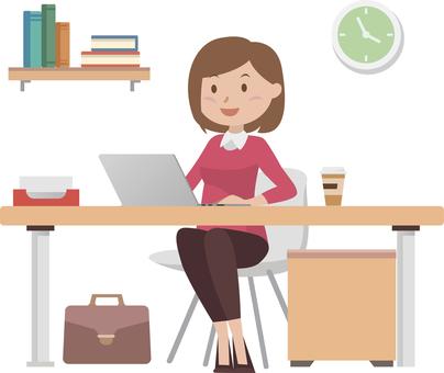 在PC上工作的女人